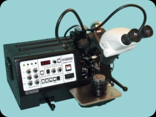 Model 572A Thermosonic Wedge Bonder
